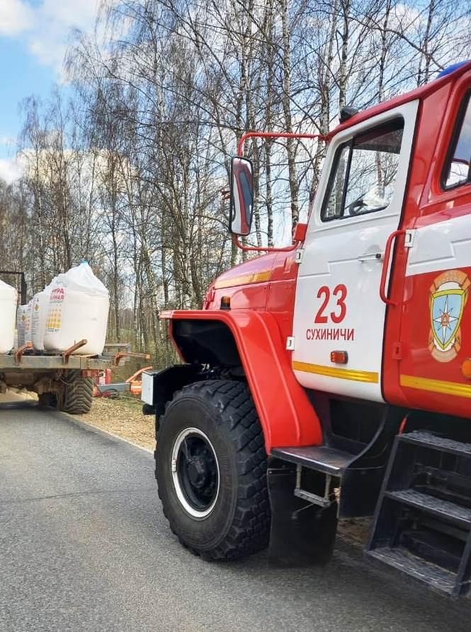 Пожар в Сухиничском районе, 100 км автодороги «Сухиничи-Козельск»