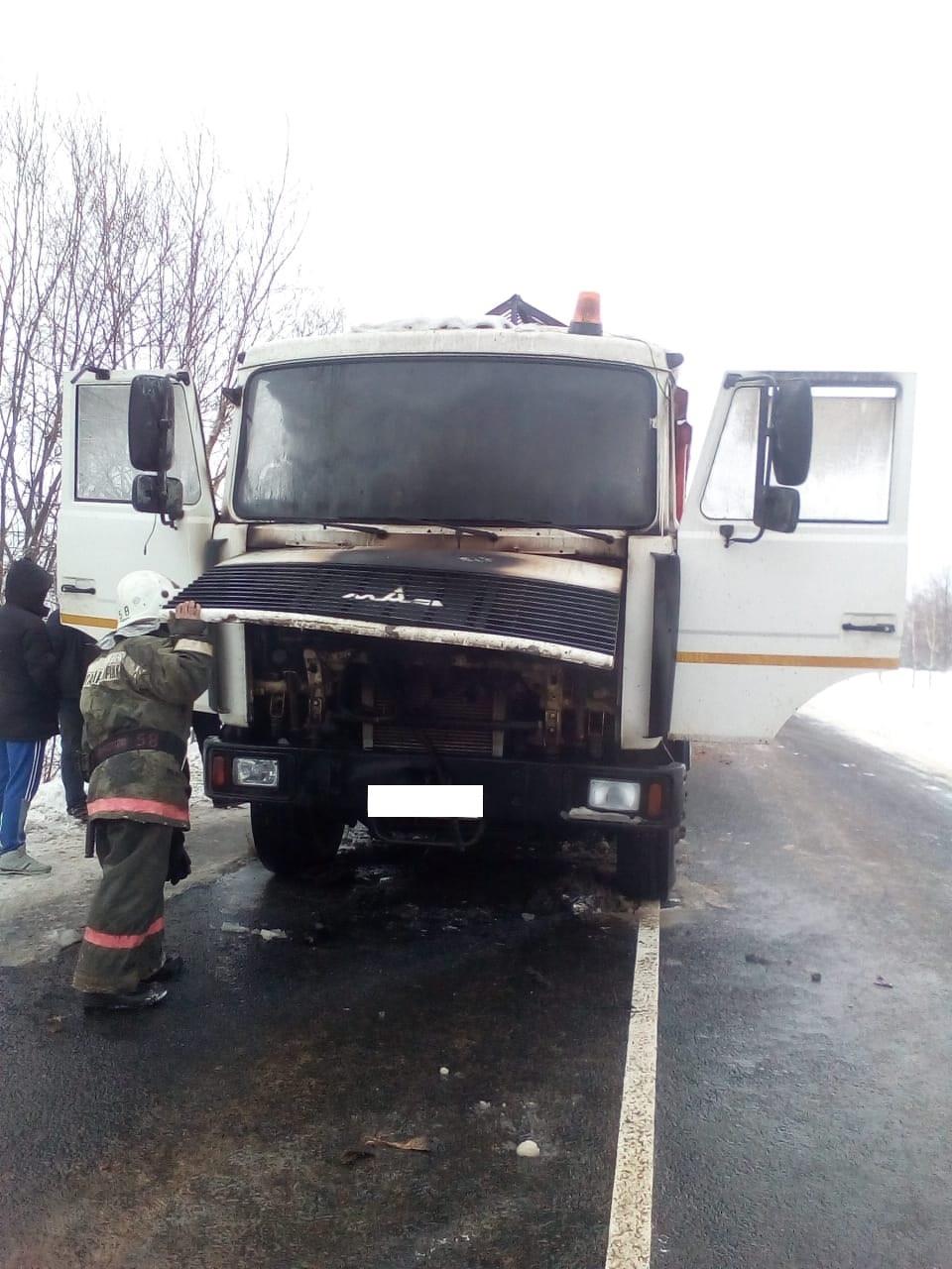 Пожар в Сухиничском районе, 15 км автодорога «Сухиничи-Середейский»