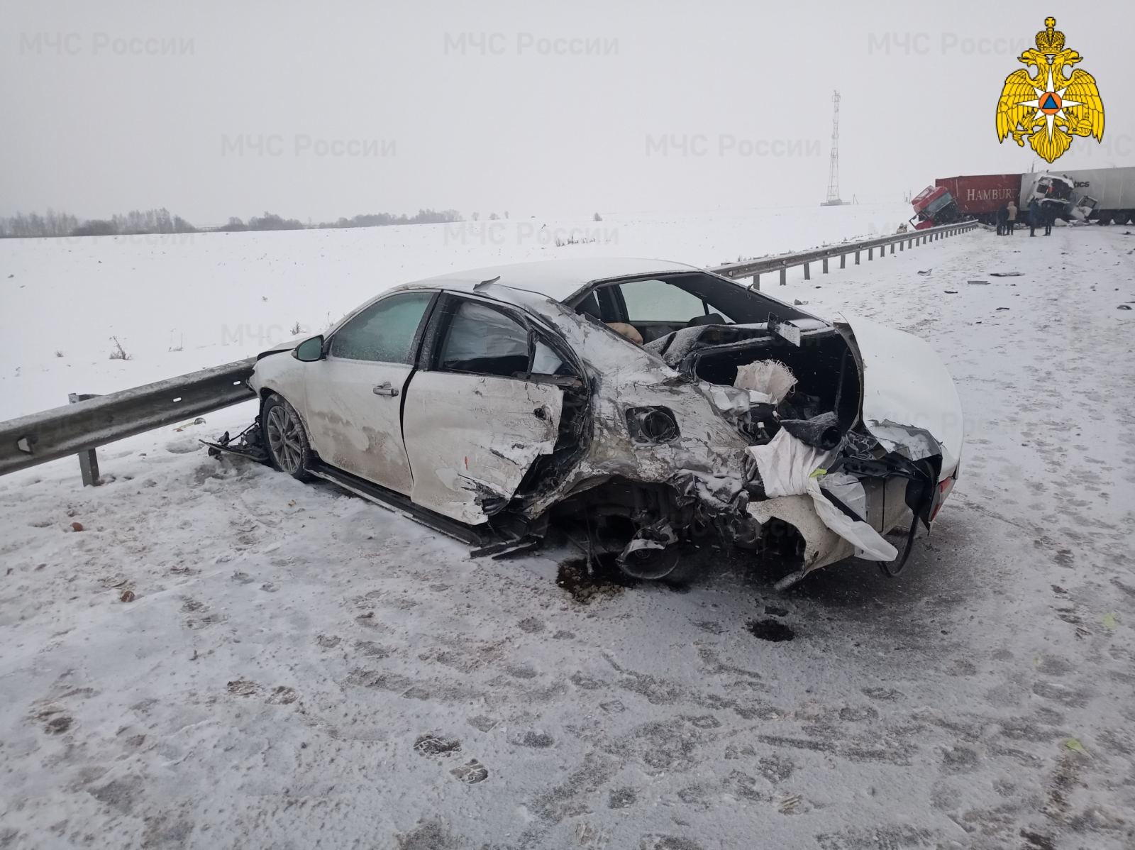 Спасатели МЧС принимали участие в ликвидации ДТП в Мещовском районе, 226 км автодороги М-3 «Украина»