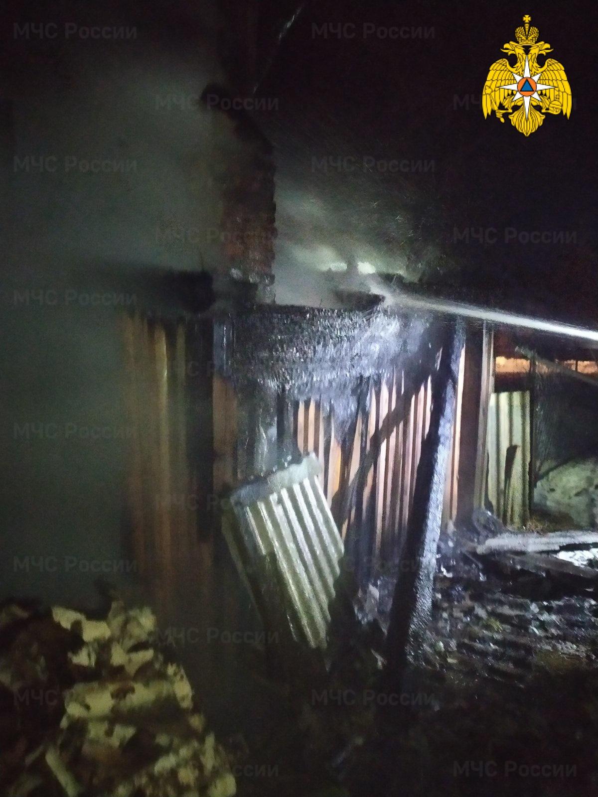 Пожар в Хвастовичском районе, с. Пеневичи, ул. К. Маркса