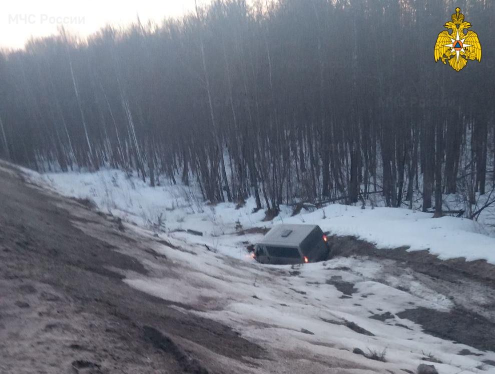 Спасатели МЧС принимали участие в ликвидации ДТП в Думиничском районе 280 км автодорога М-3 «Украина»