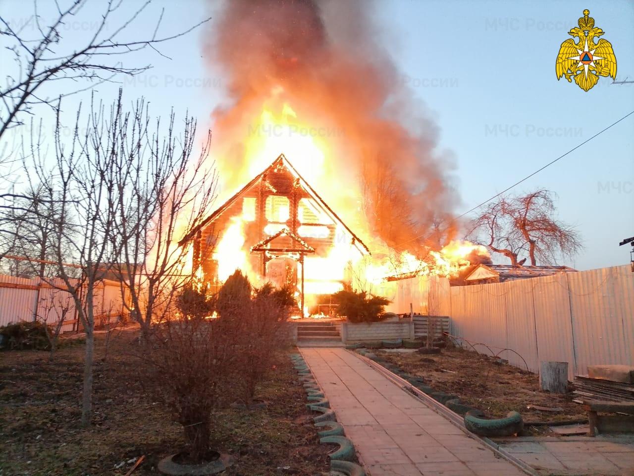 Пожар в Тарусском районе, с. Некрасово, ул. Центральная