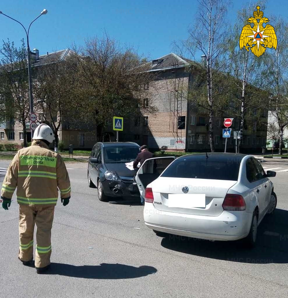Спасатели МЧС принимали участие в ликвидации ДТП в г. Обнинск, ул. Курчатова