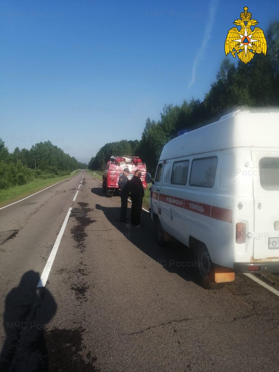 Спасатели МЧС принимали участие в ликвидации ДТП в Барятинсом районе, 107 км автодороги