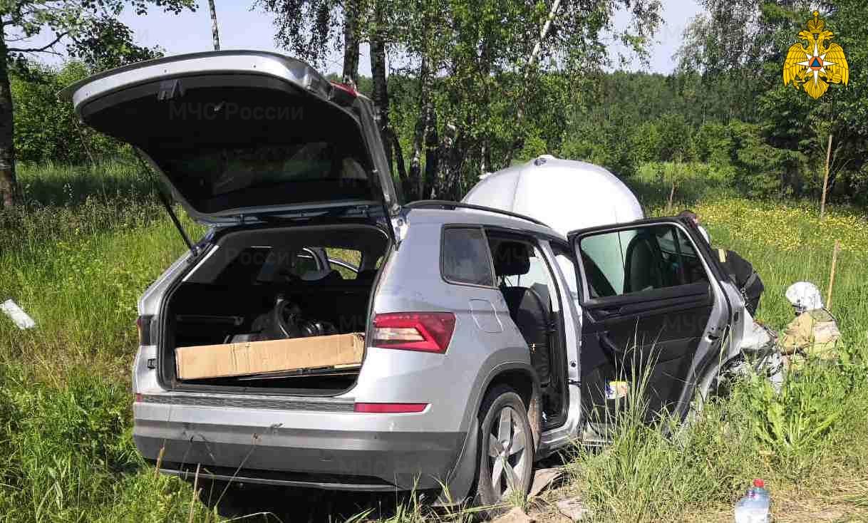 Спасатели МЧС принимали участие в ликвидации ДТП в Дзержинском районе, 9 км автодорога «Кондрово-Галкино»
