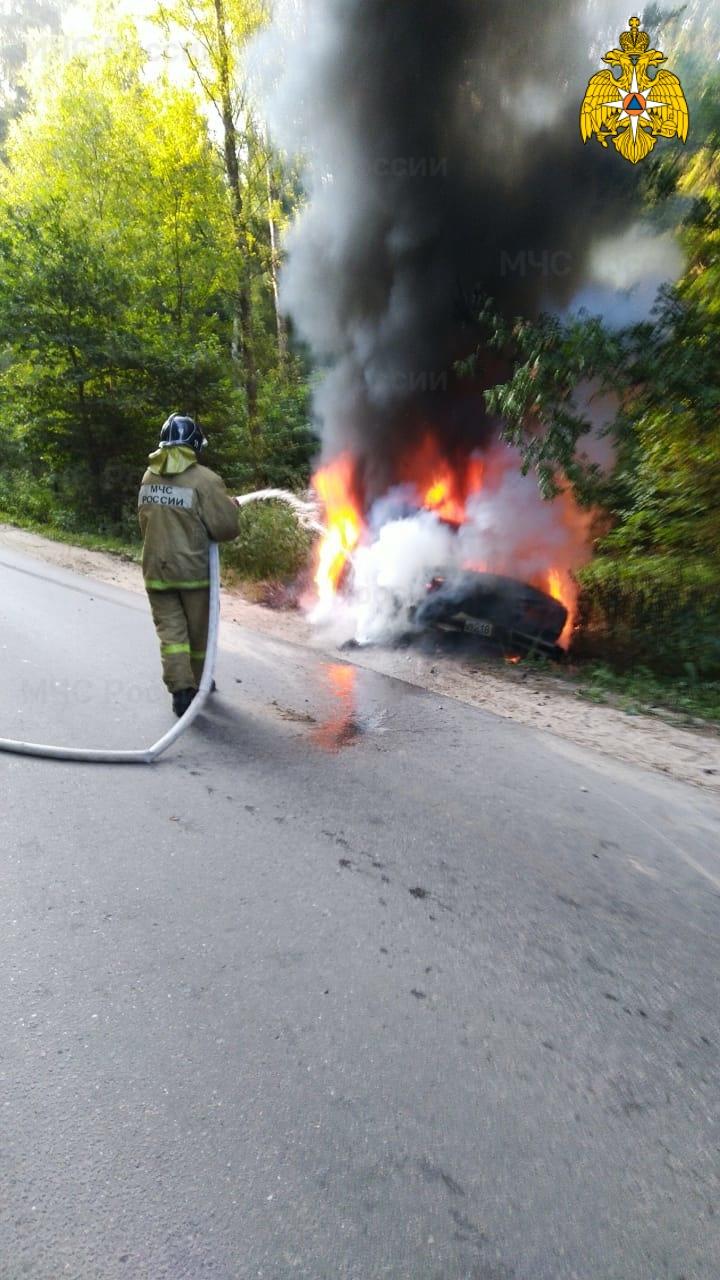 Спасатели МЧС принимали участие в ликвидации ДТП в Жуковском районе, д. Любицы