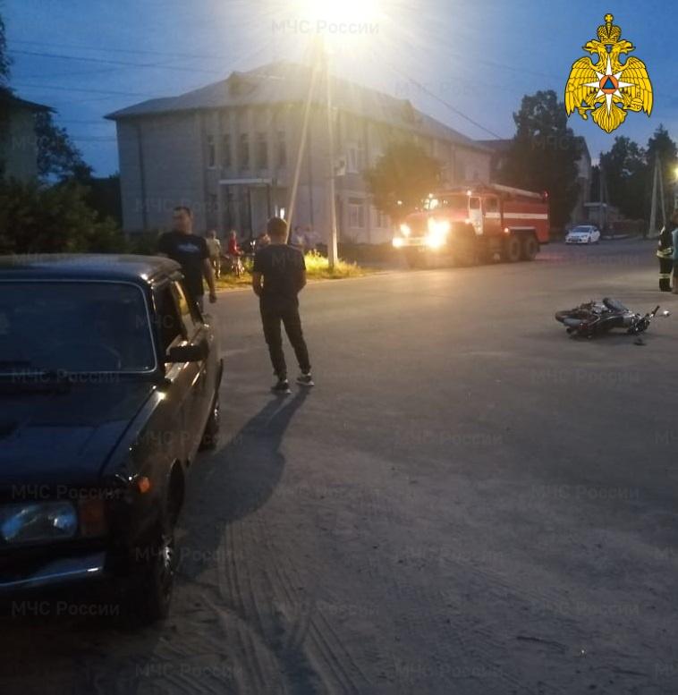 Спасатели МЧС принимали участие в ликвидации ДТП в Хвастовичском районе, с. Хвастовичи, ул. Ленина