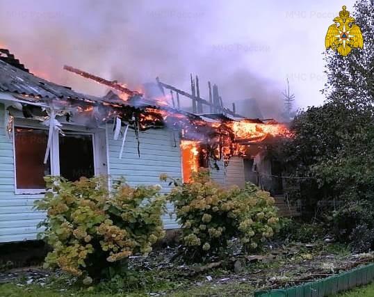 Пожар в Тарусском районе, д. Лопатино, ул. Тарусская